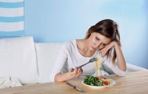 האם את סובלת מהפרעות אכילה
